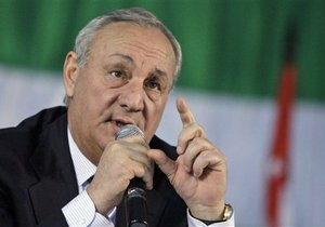 Путин поздравил Багапша с победой на выборах президента Абхазии