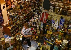 Мадам Коробочка. Бельгийка собрала коллекцию из 57 тысяч декоративных жестяных коробок