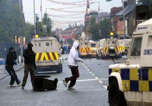 В Белфасте произошли столкновения между католиками и протестантами