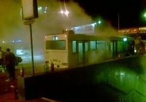 В Киеве на Осокорках сгорел рейсовый автобус