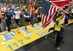 Победитель марафона в Бостоне вернул медаль городу в память о жертвах теракта