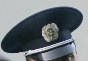 В Киеве на журналистов напал водитель с саперной лопатой