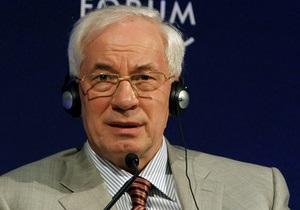 Азаров признался, что на Украине висит  огромная удавка долгов