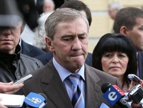 Черновецкий намерен снизить тарифы на размещение рекламы в лифтах