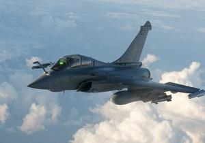 Авиация НАТО нанесла мощный удар по Триполи