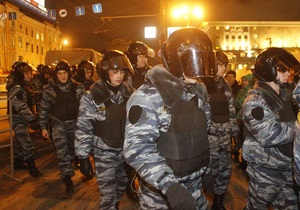 Триумфальная площадь в Москве полностью оцеплена полицией, демонстрантов пока нет