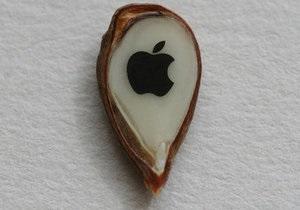 Россиянин специально для Стива Джобса украсил яблочное зернышко логотипом Apple