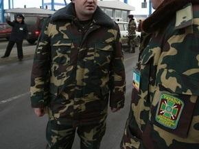 В Ровенской области таможенники задержали грузовик с сигаретами в опилках