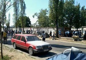 Скандальная стройка на Березняках: Несколько сотен человек вышли на акцию протеста