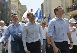 Рейтинги Кличко и Януковича сравнялись - опрос