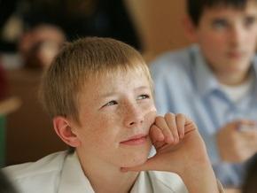 Прокуратура Киева предостерегает от привлечения школ к политагитации