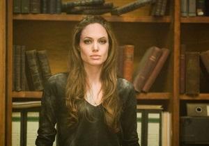 В продолжении фильма Особо опасен Джоли заменит молодая актриса