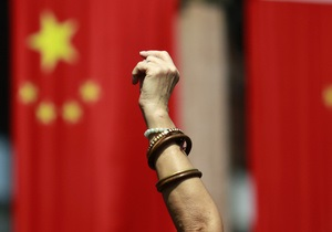 Новости Китая - Конец шестидневного заточения: китайские рабочие отпустили на свободу начальника-американца