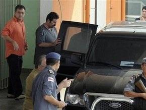 Обвиняемый в убийствах бразильский депутат сдался властям