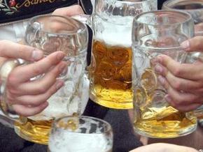 Медики Британии призвали правительство удвоить цены на вино и пиво