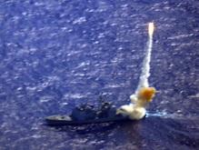 Пентагон: Ракета поразила бак с токсичным топливом спутника-шпиона