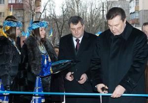 Янукович отчитал одесского губернатора: Ты что здесь, ничем не управляешь или что?