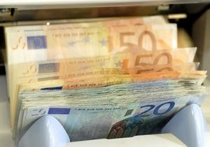 Курс евро рекордно упал, золото дорожает