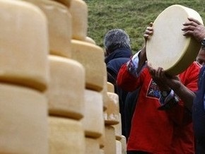 Милиция  накрыла  фирму, распространявшую по Украине ядовитый сыр