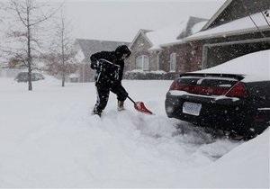 На США обрушились сильнейшие снегопады: по всей стране отменены десять тысяч авиарейсов (обновлено)