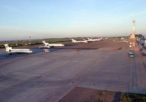 В России стюардесса задержала рейс в Турцию, случайно раскрыв аварийный трап