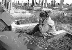 Под Симферополем неизвестные на автомобиле проехали по могилам мусульманского кладбища