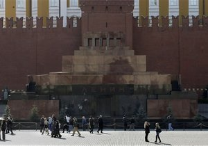 В Москве украинка пыталась покончить с собой у мавзолея Ленина
