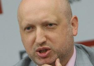 Турчинов после встречи с Тимошенко: Она такая же красивая и сильная