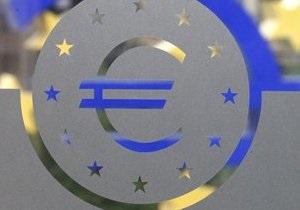 Евро на межбанке пробил отметку в 10,7 гривен