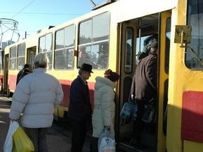 Власти намерены демонтировать трамвайную линию вдоль набережной Днепра в Киеве