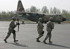 Авиабаза Манас возобновила регулярную переброску войск в Афганистан