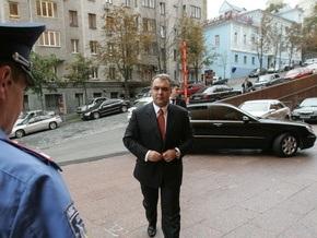 Жвания: Из-за своих отравителей Ющенко объявит войну России