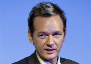 Основателя Wikileaks объявили в розыск по подозрению в изнасиловании