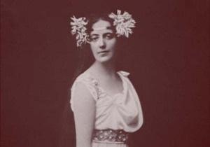В итальянском Торре дель Лаго установили бронзовый бюст Соломии Крушельницкой