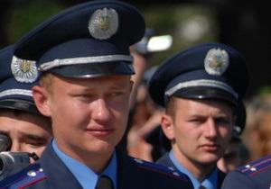 Триллер в Запорожье: водитель Mitsubishi, переехав милиционера, попытался скрыться с места ДТП