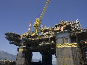 Рынок сырья: Нефть дорожает, золото стабильно