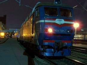 В Черниговской области ВАЗ врезался в поезд Санкт-Петербург - Киев