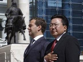 Медведев: Россия и Монголия будут противостоять фальсификации итогов Второй мировой войны