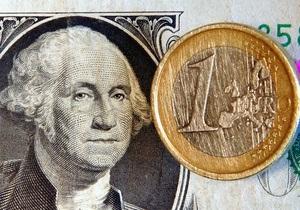 Евро и доллар сообща опускают курс гривны на межбанке