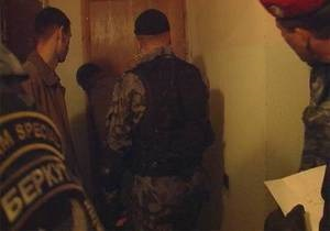 МВД: При обыске в квартире адвоката пропавшего журналиста травмированы два милиционера