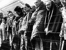 Группа пьяных польских школьниц осквернила мемориал жертв Второй мировой