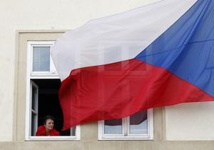 Чехия возобновляет работу визового отдела консульства в Донецке
