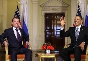 Экс-посол в США: У Вашингтона в отношении Украины связаны руки из-за зависимости от Москвы