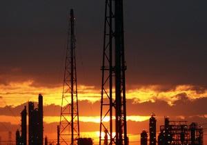Украинские НПЗ в 2012 году снизили переработку нефтесырья почти наполовину