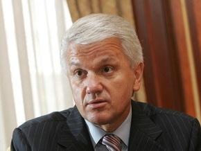 Литвин намерен уйти в отпуск