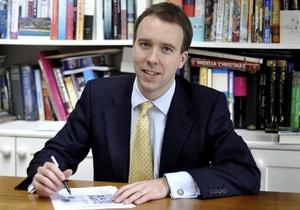 Британский министр труда проспал интервью на тему трудоустройства молодежи