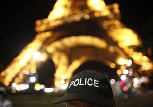Во Франции женщину судят за футболку ее сына с призывом к террору