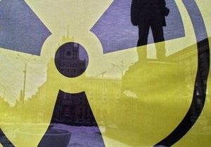 В Киеве обнаружили мусоровоз с радиоактивным мусором