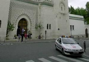 Во Франции автомобиль жандармерии сбил 12 детей: одна школьница скончалась