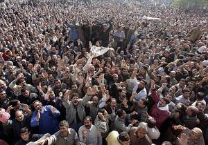 Египтяне празднуют объявление армией ультиматума политикам